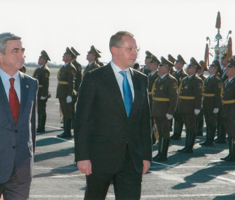 2007.11 с премиера на Армения-3